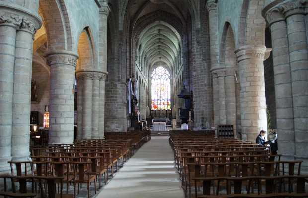 Colegiale Saint-Aubin
