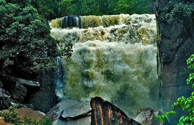Karfiguéla waterfalls