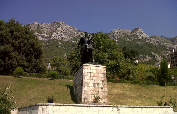 Statue de Skanderbeg