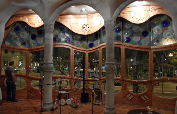 Noites Mágicas no Terraço da Casa Batlló