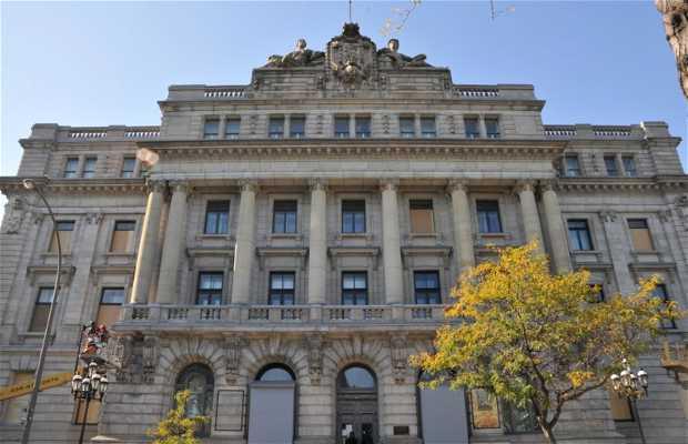 L'édifice Gilles Hocquart à Montréal