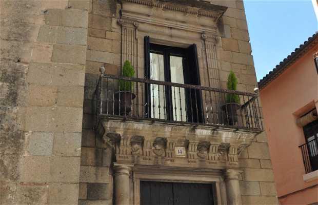 Casa de los Almaraz