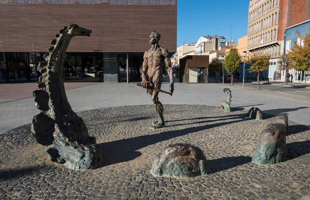 Estatua de Sant Jordi y el Drac