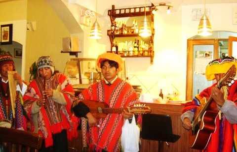 Spectacle folklorique au bar Portales
