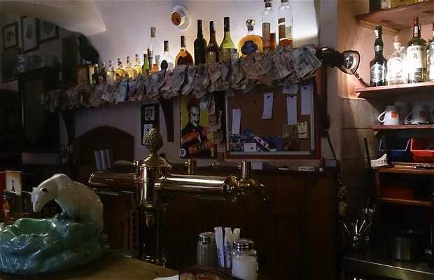 Café suspendu de Prague