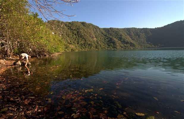Lago salado de Satonda