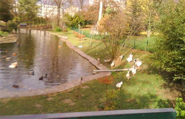 Le parc de l'hôtel de ville Chilly Mazarin