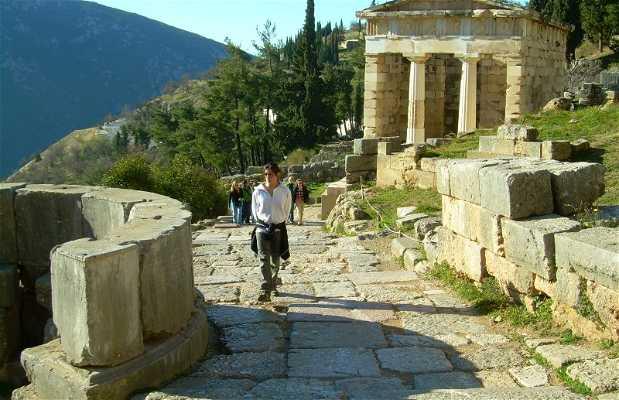 Vía sacra de Delfos