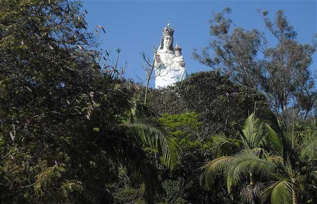 Monumento a Nossa Senhora do Monte Serrat