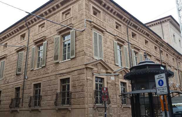 Palazzo Canossa