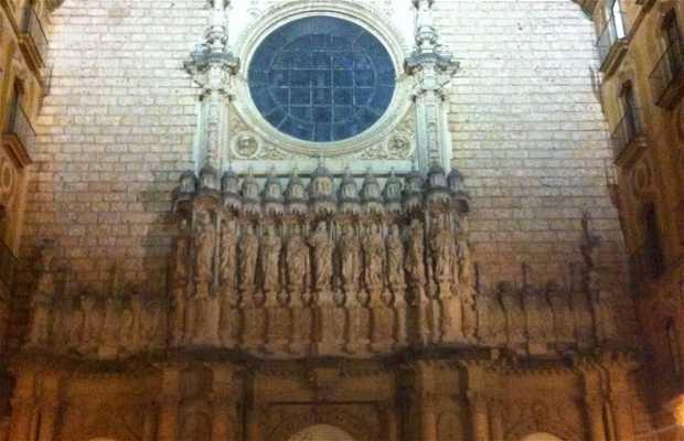 Fachada de Montserrat patio